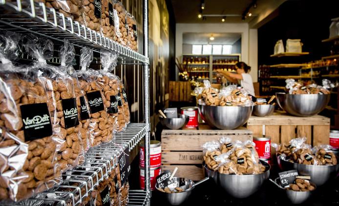Een beeld van een pepernotenwinkel in Nederland.