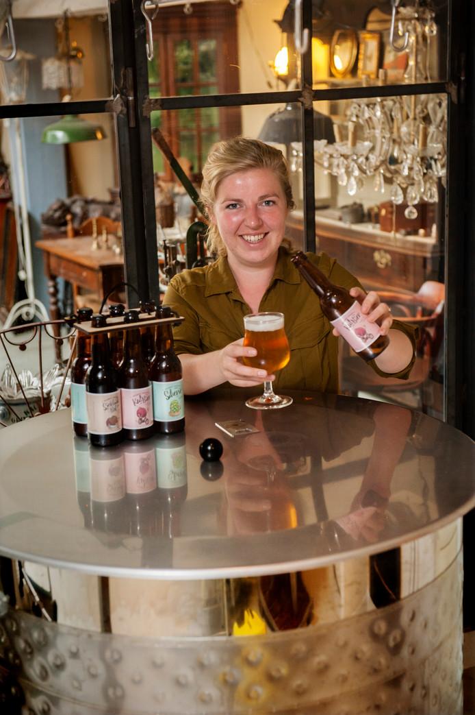 Janneke Pieters, brouwmeester van Brouwerij Boegbeeld in de Uilenburg.