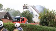 Woonkamer onbewoonbaar na hevige dakbrand door roofingwerken