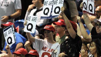 Waarom heel wat Trump-aanhangers 'Q' op hun T-shirt hebben staan, en hoe gevaarlijk deze complottheorie kan zijn