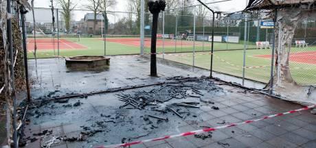 Vermeend faillissement van bouwer clubhuis is nieuwe klap voor tennisvereniging Heino