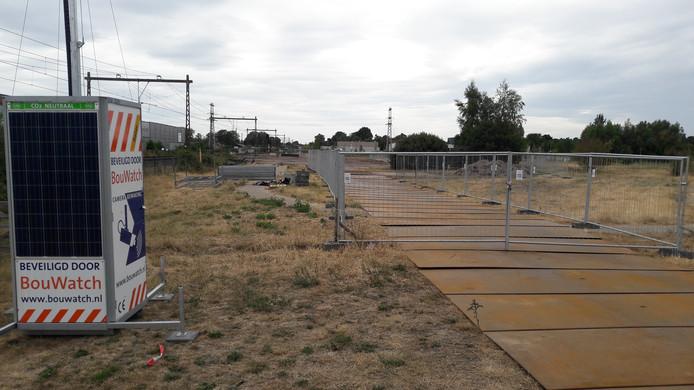 Ter hoogte van de wijk Drielanden is llangs het spoor een van de vier depots ingericht voor het laden en lossen van bouwmaterialen.
