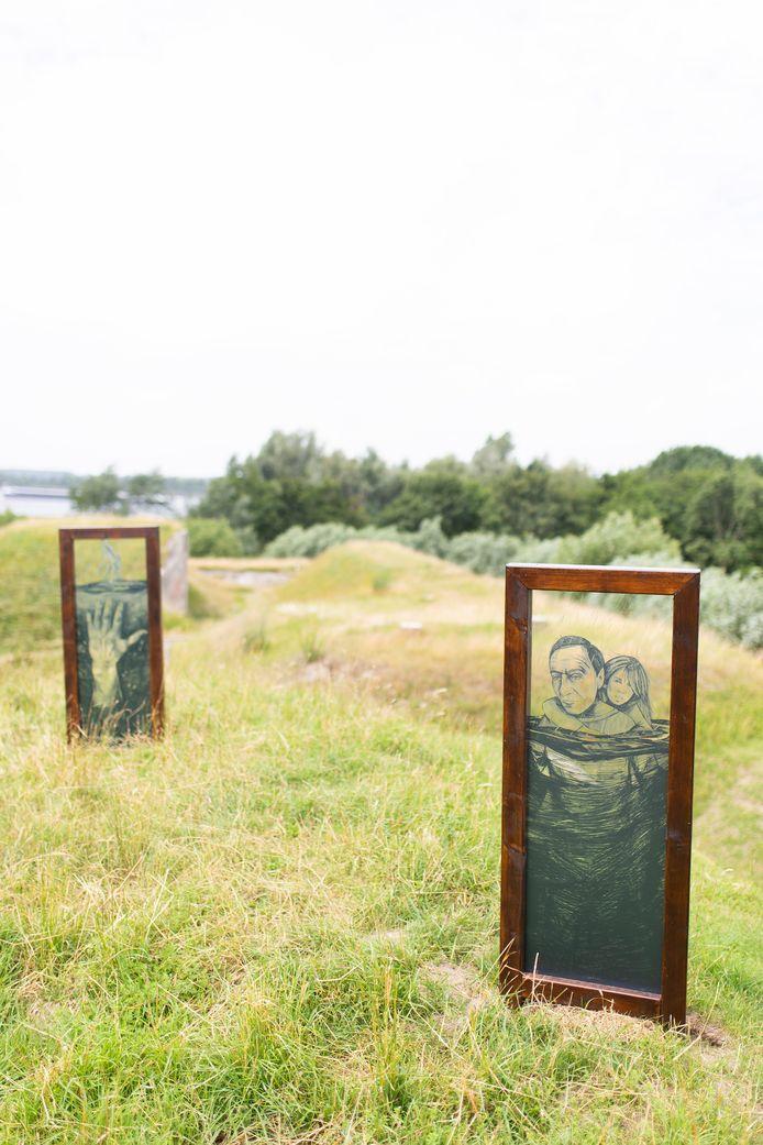 Vivian Heyms', 'Door de reflectie van het water': een van de kunstwerken die nu te zien zijn op Fort Sabina in Heijningen.