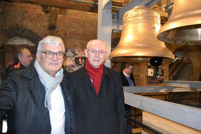 Burgemeester Peeters en Van Rompuy bij de klok