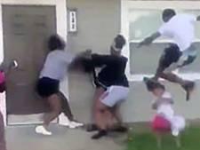 Les images choc d'une mère et de sa fille rouées de coups aux États-Unis