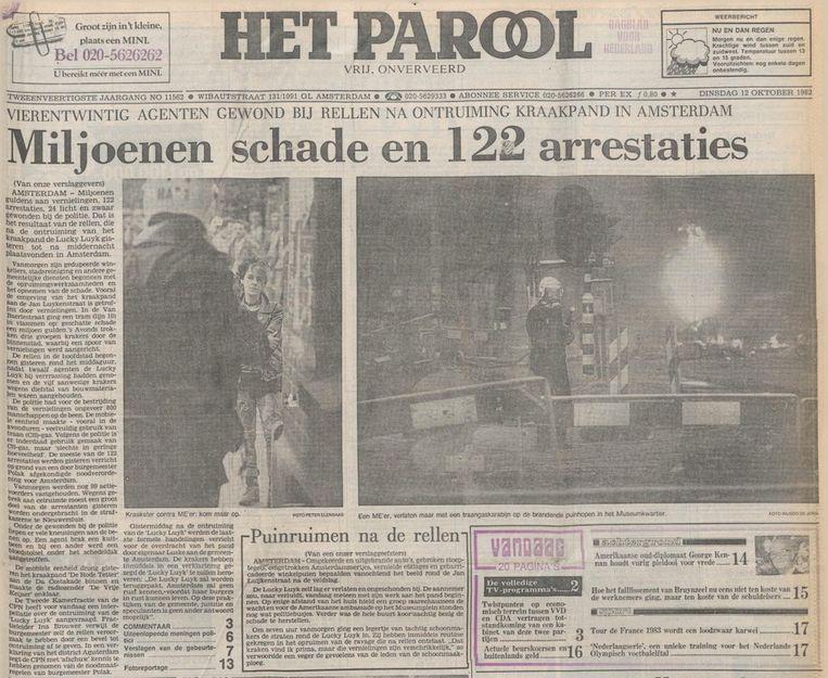 De voorpagina van Het Parool na de rellen rond Lucky Luyk. Beeld Het Parool