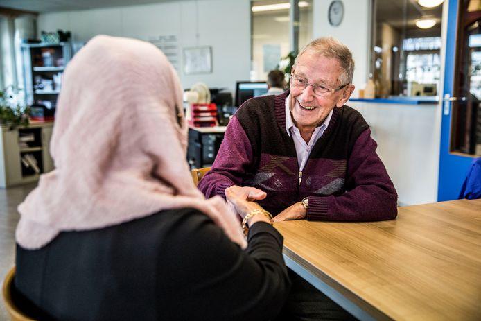 Leen den Boer is al veertig jaar vrijwilliger bij VluchtelingenWerk.