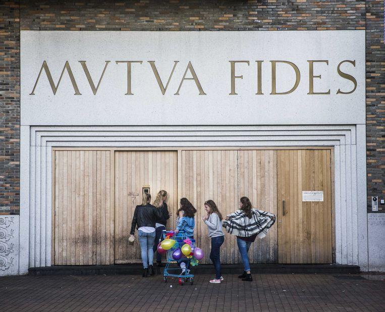 De entree van het sociëteitsgebouw van studentenvereniging Vindicat in Groningen. Beeld ANP