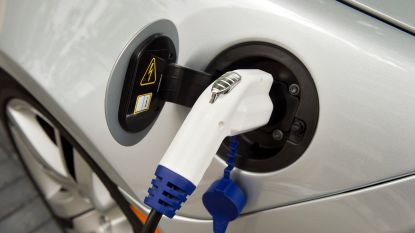 Op vakantie met de elektrische wagen? 5 tips voor een zorgeloze autoreis
