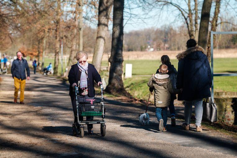 Wandelen is niet alleen populair, het brengt ook veel geld op. Vorig jaar hebben de meer dan twee miljoen wandelaars 43 miljoen euro uitgegeven in Limburg.