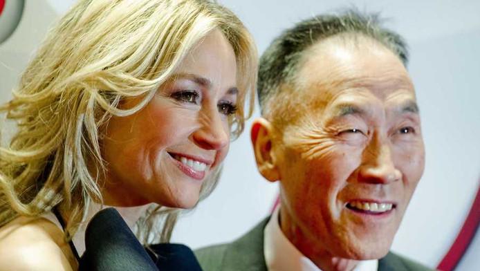 Hoofdrolspelers Wendy van Dijk en Hiromi Tojo op de rode loper voorafgaand aan de première
