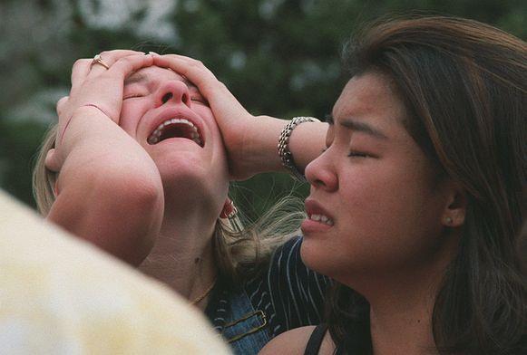 Studenten reageren vol onbegrip op de massaschietpartij in hun school.