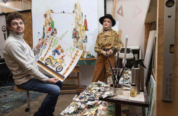 Bas van der Linde maakt wachtkamerkunst. Daarvoor richtte hij de stichting Ter Haas op, waarvan Joëlle van der Vegte bestuurslid is.