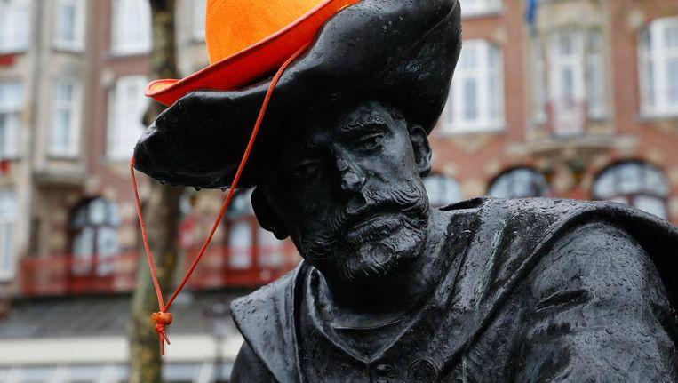 c3d1cec3f3ea4e ... Een van de beelden op het Rembrandtplein na afloop van Koningsdag Beeld  ANP