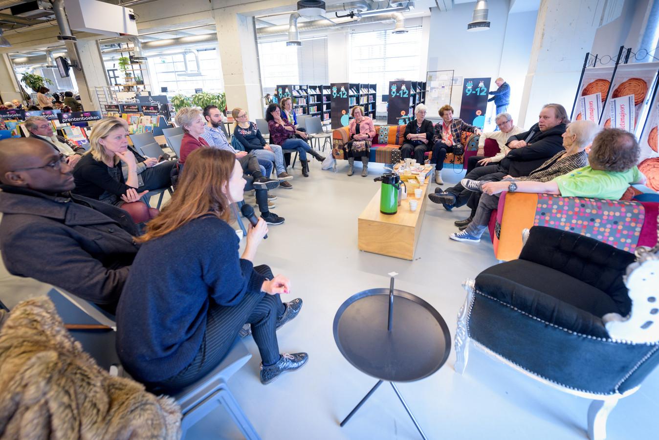 De eerste editie van Kletsmajoors in de bibliotheek in Eindhoven.