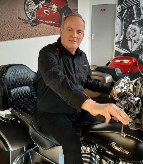 Elvin (47) neemt motorzaak MotoPort in Hengelo over