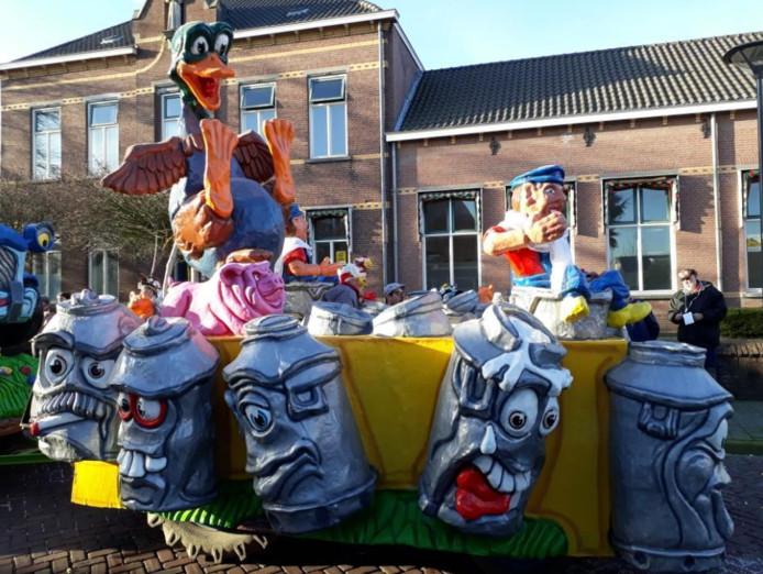 Carnavalswagen uit Steenbergen te koop.
