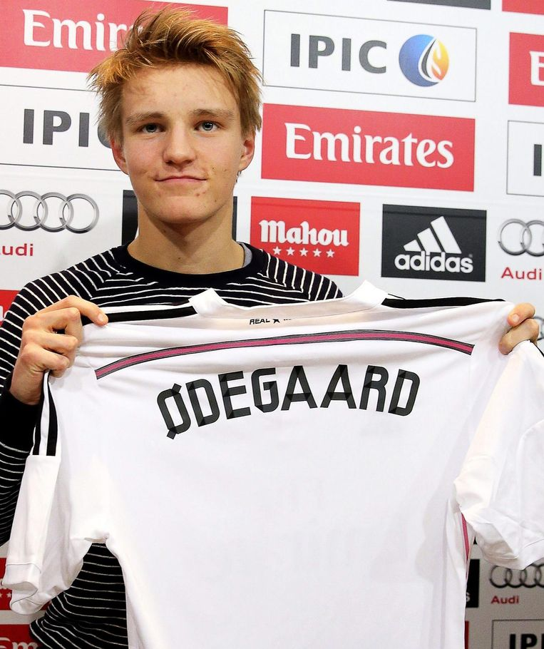 Odegaard bij de presentatie bij Real Madrid Beeld anp