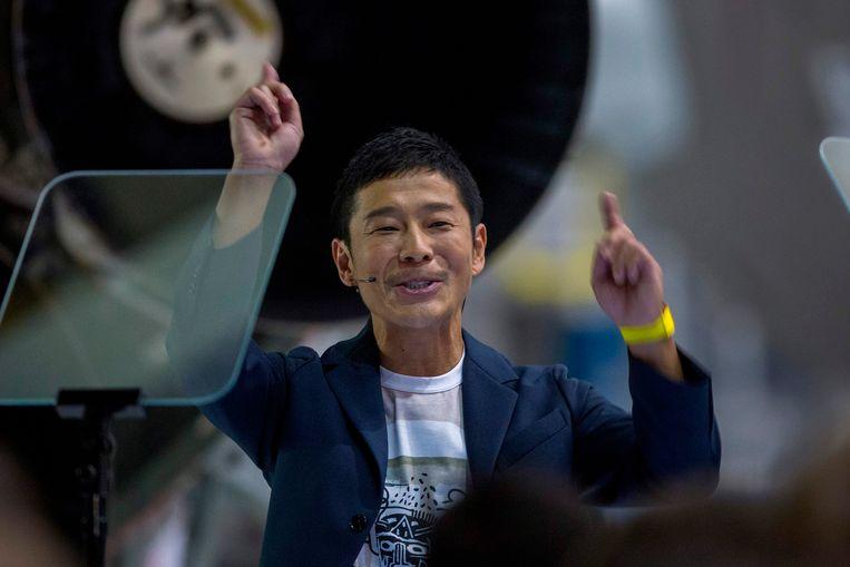 Elon Musk stelde afgelopen week de eerste ruimtetoerist voor, de kleine guitige Japanner, Yusaku Maezawa (42).