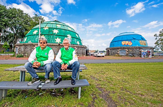 Plannenmakers Joost Roset (links) en Wim Noordzij voor hun e-sportspand.