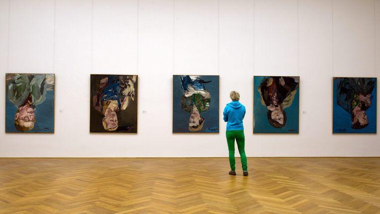 Werken in de Baselitz-zaal van het Albertinum in Dresden. Alle werken die zijn uitgeleend door de maker, verdwijnen uit het museum. Beeld epa