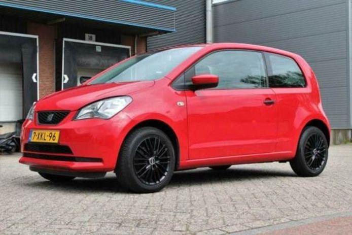 Gisteravond is er een auto gestolen tijdens een proefrit in Veenendaal.