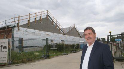 Minister Muyters zal de nieuwe evenementenhal openen