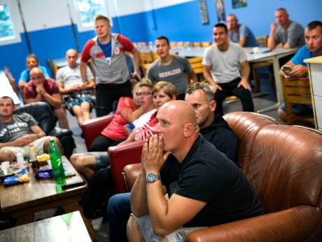 Polen moedigen tevergeefs hun ploeg aan in Helenaveen: 'Ai, ai, ai, catastrofe'