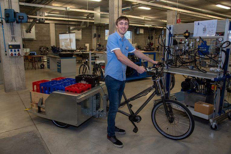 Jordi maakt een prototype van een elektrische cargofiets die tot 300 kilo kan vervoeren.