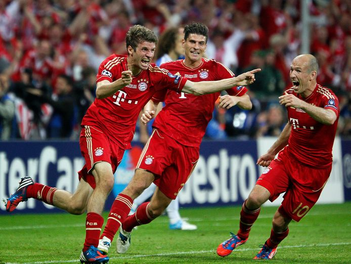 Thomas Müller na een doelpunt in de verloren Champions League-finale tegen Chelsea in 2012 (2-1).