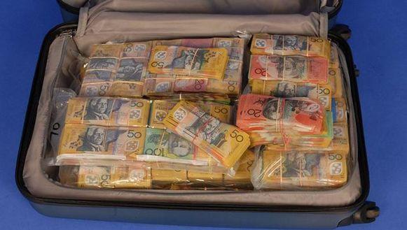 De speurders stuitten op de koffer tijdens een onderzoek naar een vermoedelijke drugstransactie.
