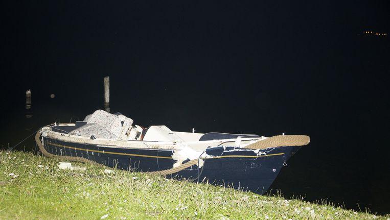 Een van de boten die betrokken waren bij het ongeluk afgelopen zaterdag. © Petershotnews.nl Beeld ANP
