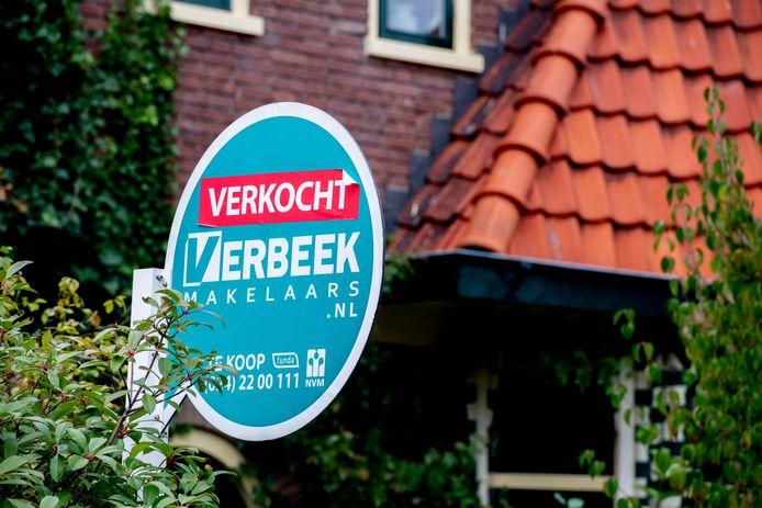 Nijmegen staat in een top 3 waar de stad  liever niet in wil staan: die van steden met het grootste woningtekort. In de strijd daartegen moet onder meer een 'zelfbewoningsplicht' voor kopers soelaas bieden.