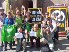 Utrechtse politici lopen 9.000 euro bijeen in nachtelijke sponsortocht