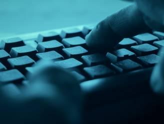 Titeca Accountancy schenkt computers aan De Bever