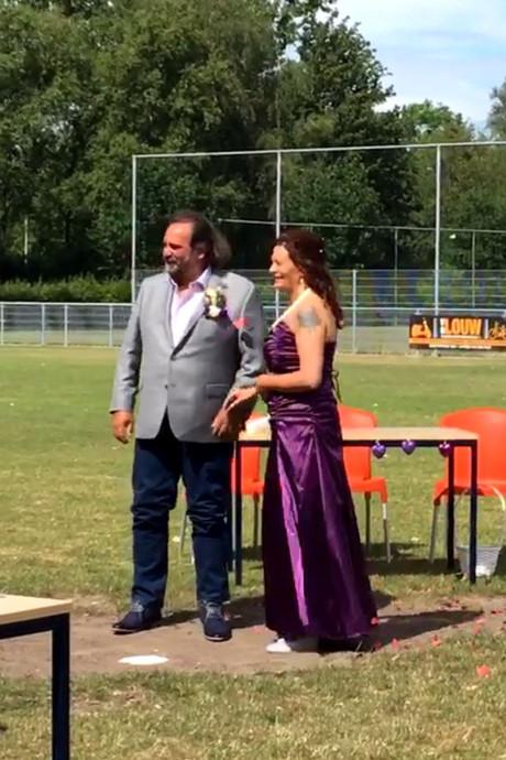 Henk en Claudia trouwen op de middenstip van Alphia