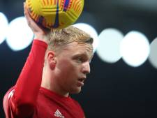 Van de Beek mag kwartiertje meedoen bij moeizame thuiszege Manchester United