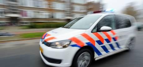 Drie 16-jarigen in gestolen Range Rover klemgereden op Bos en Lommerweg
