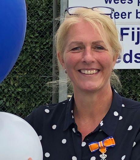 Inspanningen voor korfbalvereniging leveren Caroline Piepenbrock lintje op