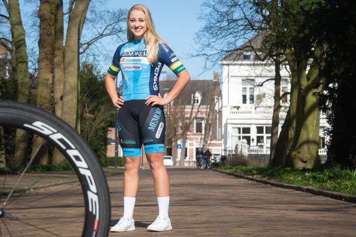 Sharon Dommanschet hoopt zich dit wielerseizoen in de kijker te rijden bij grote ploegen.