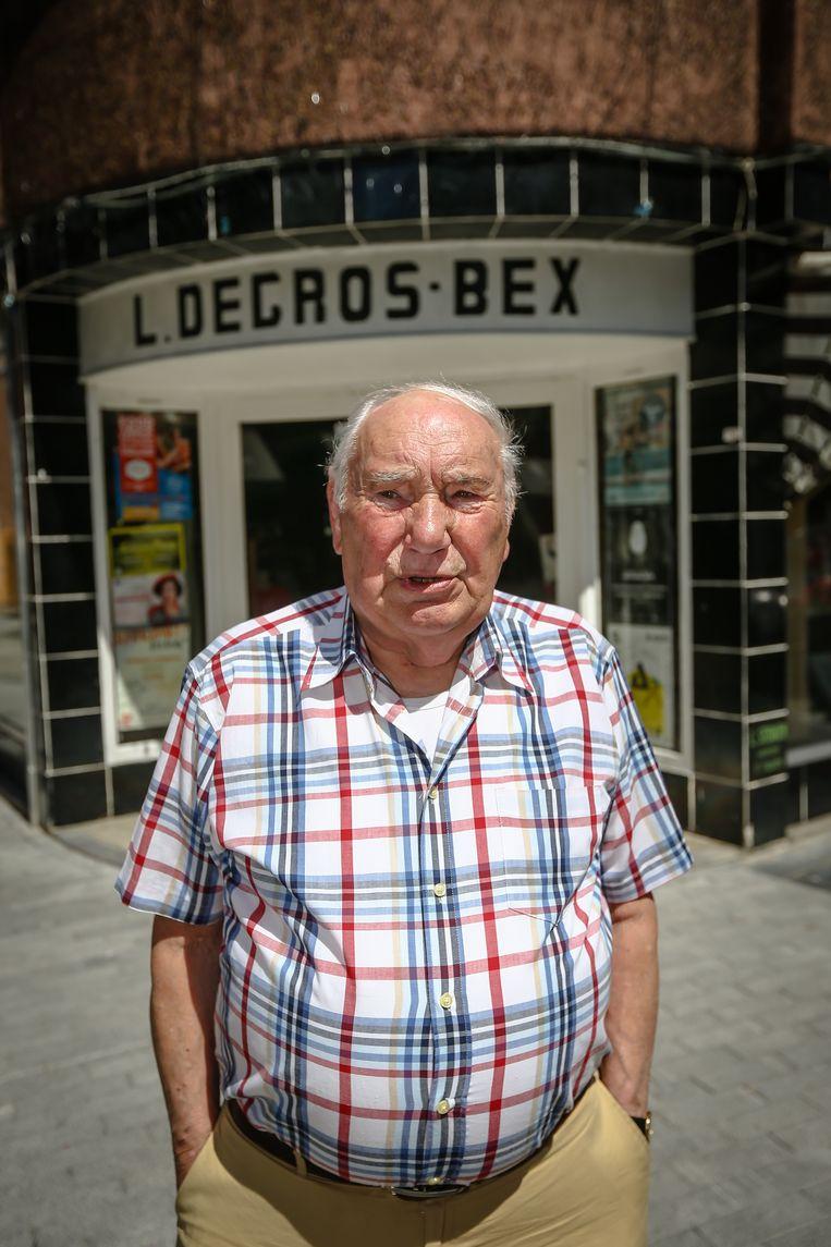 Lucien Degros (88) bewaakt de Hamelstraat.