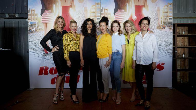 De vrouwelijke cast van Rokjesdag Beeld anp