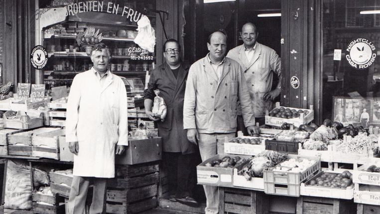 Rechts op de foto Frans en Gerrit, die werden bijgestaan door 'ome Jan' (links) en 'pientere Piet'(tweede van links) Beeld -