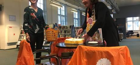 Goirlese wethouder opent in bibliotheek steunpunt voor mantelzorgers tot vrijwilligers