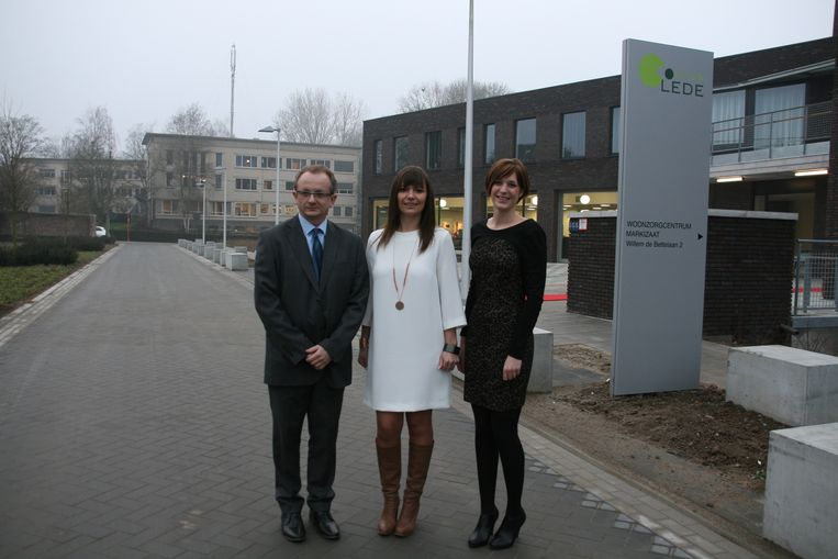 OCMW-voorzitter Annelies De Meersman (Open Vld) zou volgens CD&V al even in Wichelen wonen.