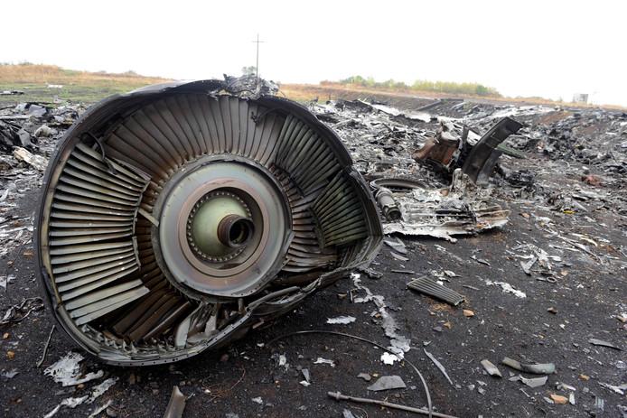 Brokstukken van de neergehaalde vlucht MH17.