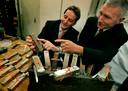 In 2005 werden er al zilverstaven, gouden munten en enkele gebruiksvoorwerpen afkomstig van het VOC-schip De Rooswijk boven water gehaald.