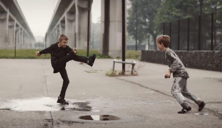Beeld uit de SIRE-campagne 'Laat jij jouw jongen genoeg jongen zijn?' Beeld RV