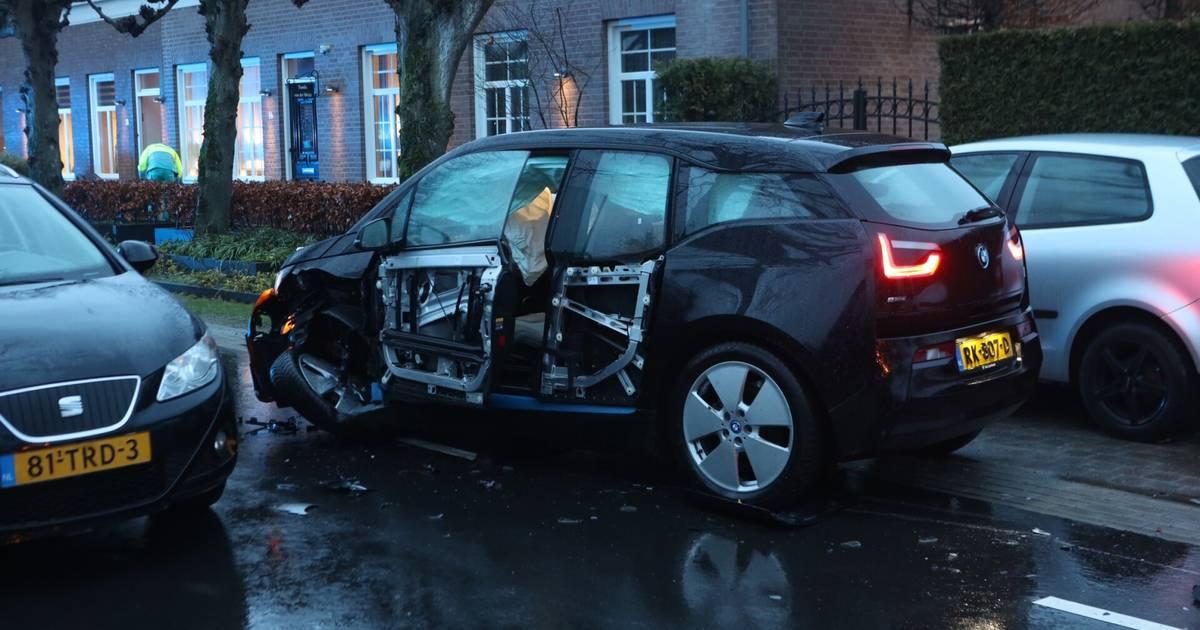 Ongeval met meerdere autos in Gemonde, vrouw ter controle naar het ziekenhuis.