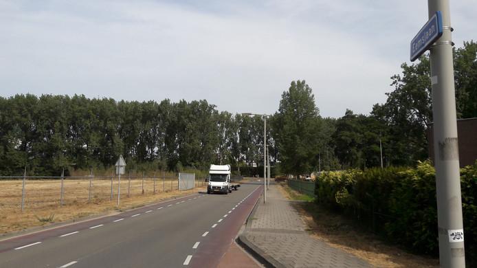 De Eemslaan in Presikhaaf, met links het terrein waar de Kunstwerkplaats tijdelijk wordt gehuisvest.